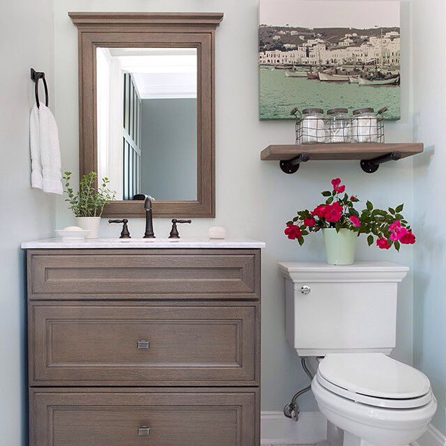 @bowerpowerblog created a fresh new space for her bathroom with help from @homedecorators. Get everything for this transformation in our [link in profile].