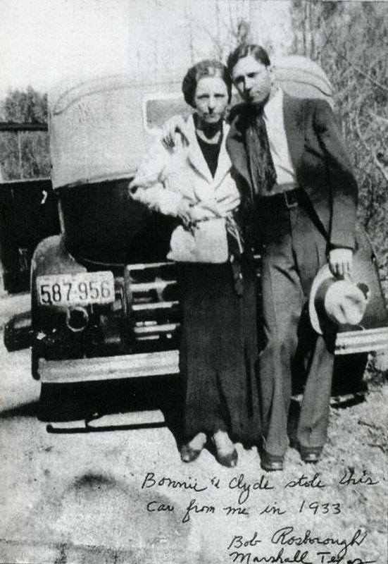 The Real Bonnie And Clyde The Script On The Image Says Bonnie