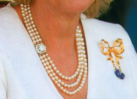 the queen mothers jewels | The Duchess of Cornwall wearing the Queen Mother`s triple strand ...