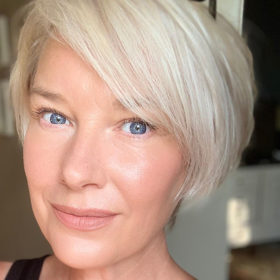 21 Best Short Haircuts For Women Over 60 To Look Younger In 2020