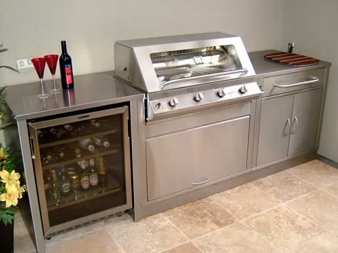Built In Bbq Like The Fridge Bench Cabinets For This Compact Unit Backyard Kitchen Outdoor Kitchen Appliances Outdoor Kitchen