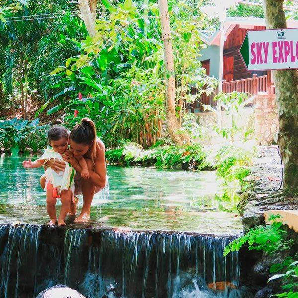 Aarón Díaz y Lola Ponce hacen de sus pequeñas todas unas aventureras ...