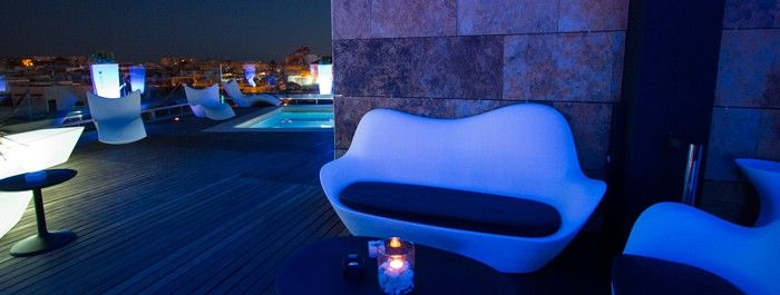 Come On Up To Our Panoramic Terrace Level 5th And Live Unforgetable Nights The Best Cocktails Glasses Of Premium Gin Mare Gins An Terraza Hotel De Lujo Hotel