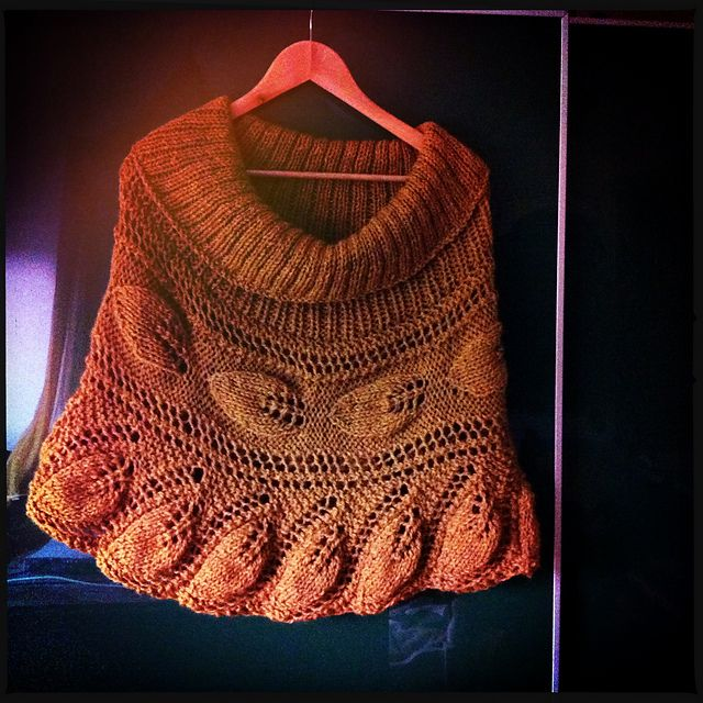 Free Pattern: Viking Lace Poncho by Anne-Lise Maigaard | Chales ...