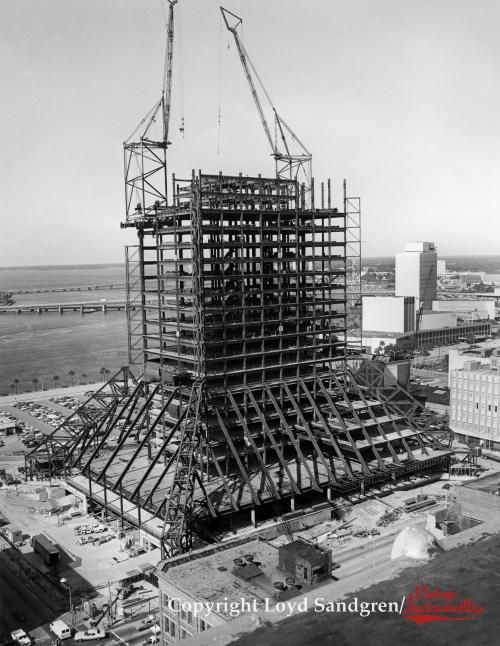 Independent Life Building Modis Building Wells Fargo Center Under Construction Home Insurance Building Building Jacksonville Florida