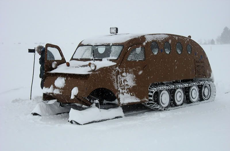 Snowmobile bus | 1954 Bombardier Snow Bus - Canon Digital