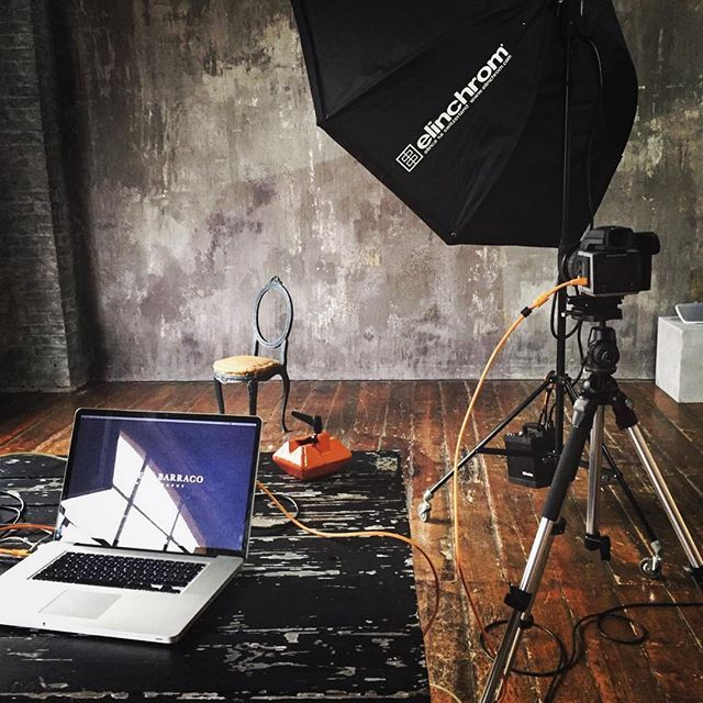 It's better when you tether! Behind the scenes studio portrait shooting for @sonymusicitaly with @tethertools and @hasselblad_official H5D-50C @profotoglobal light and @elinchrom_ltd octa 190 Best team: @ali.salviarosmarino @daniela.zeqo @enricalamonaca #tethertools #famousbtsmag #ambassador #hasselblad #profoto #behindthescenes #sonymusic #betterwhenyoutether #orange