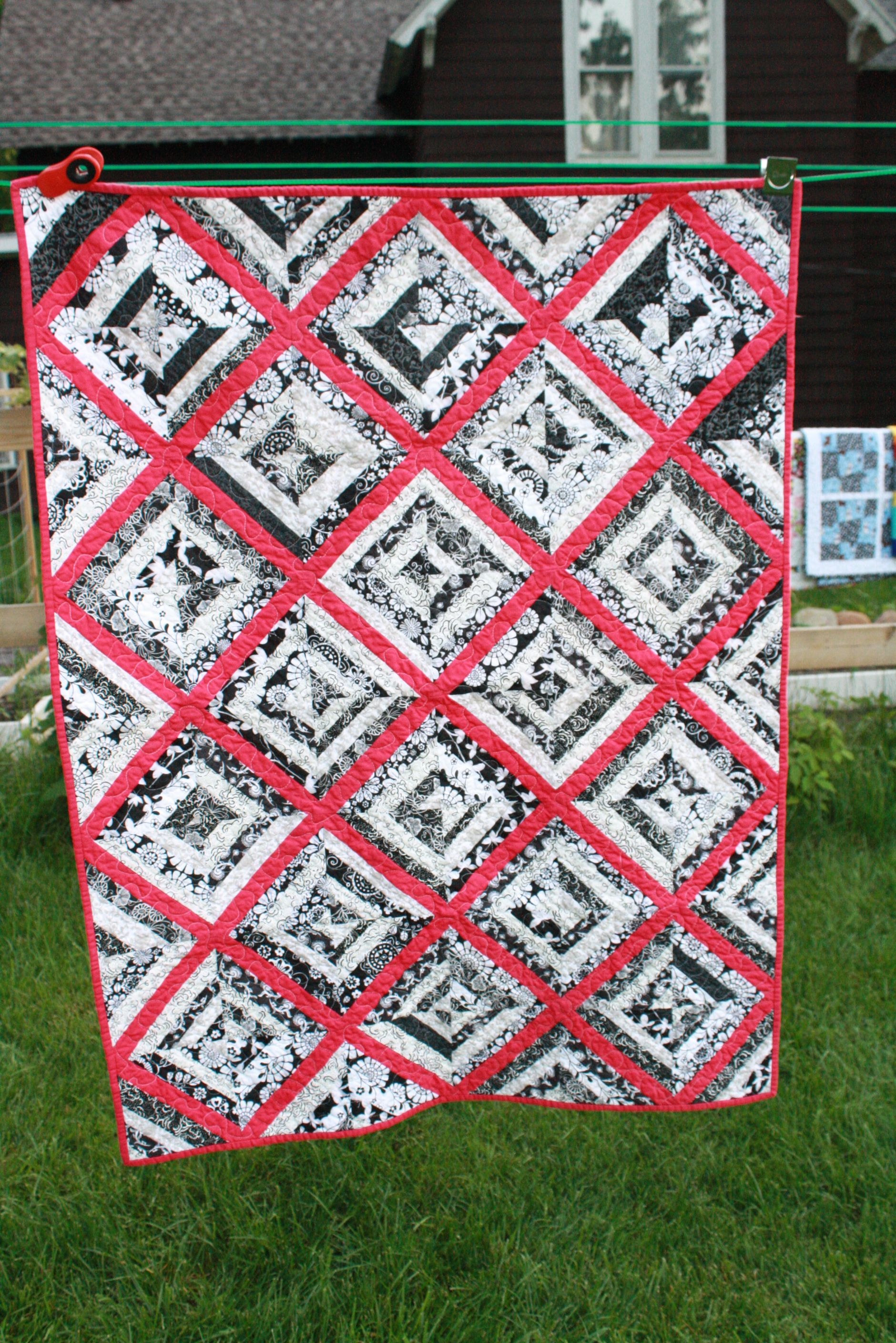 made strips bordered black quilt white easy fast and with pin quilts from very squares