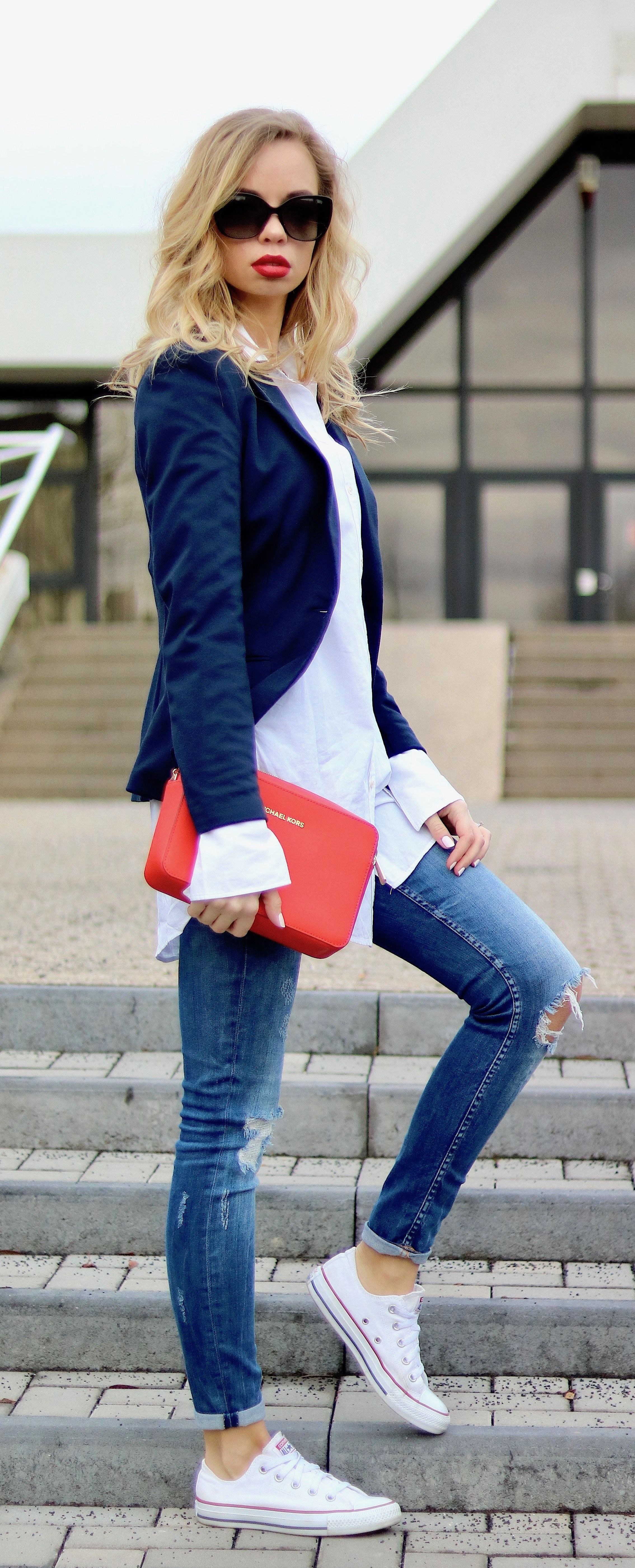 Outfit,Style,Fashion,Streetstyle,Casual,Casual Chic,Blazer,Red Lips,Look, Outfit of the day,ootd,Clutch,Red,Blue,Jeans