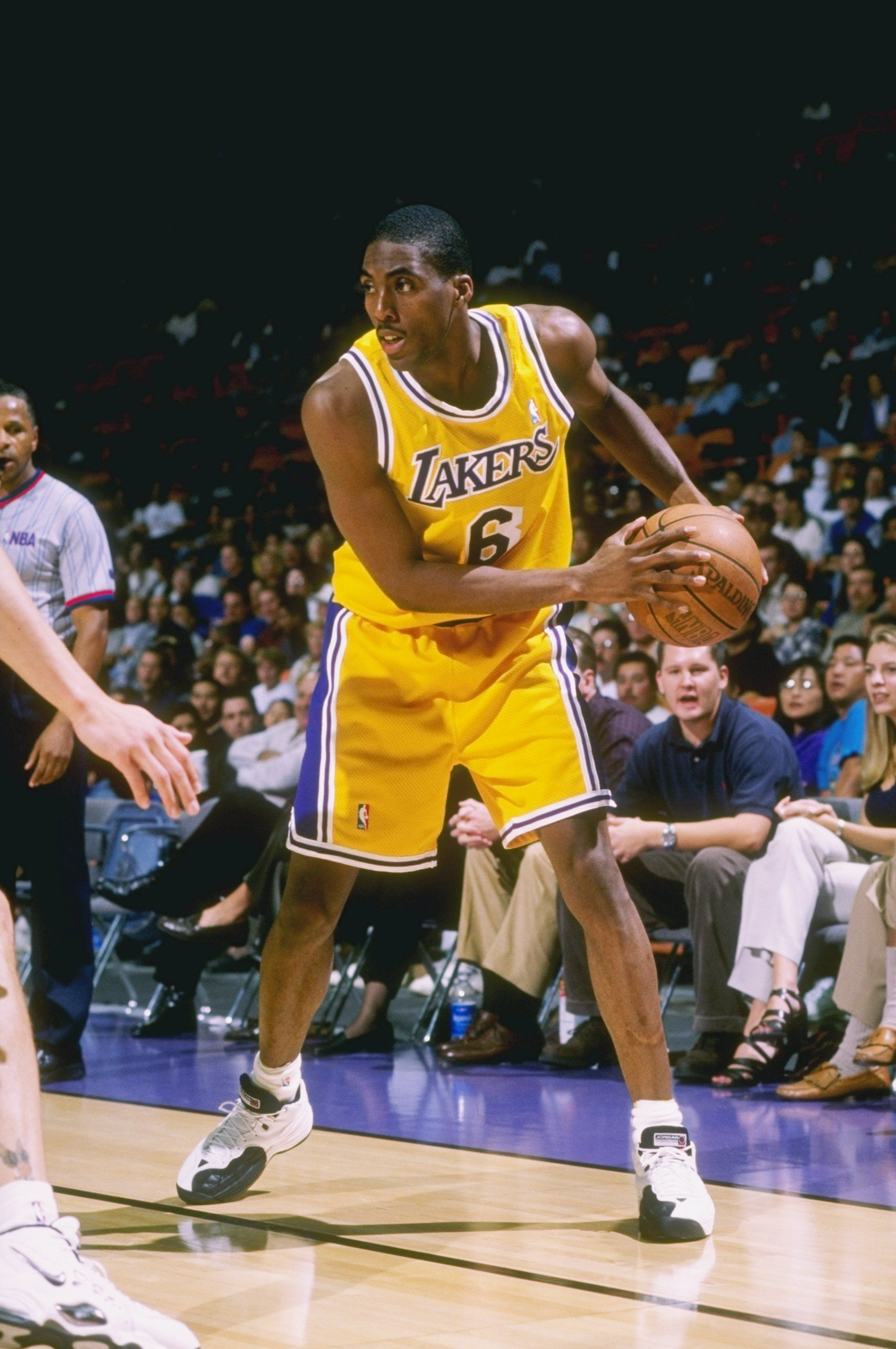24 Oct 1997 Eddie Jones 6 Of The Los Angeles Lakers In Action During The Lakers 85 79 Win Over The Seattle Supersonics At Los Angeles Lakers Lakers La Lakers