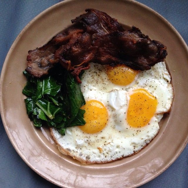 US wellness meats beef bacon is pretty awesome! Had that with fried collards and 3 eggs. Yum! Fabulous rainy day inside. #paleo #paleomom #paleofood #whole9life #whole30approved #whole30 #cleaneats #cleaneating #eatclean #realfood #eattheyolks #eatrealfood