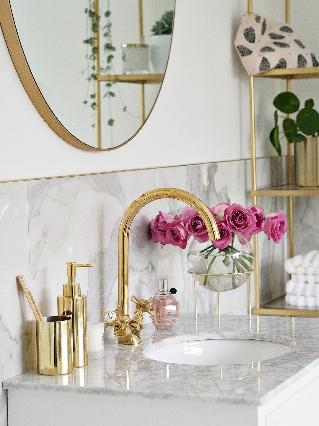 Photo of Reveal marble & gold bathroom (lust living)