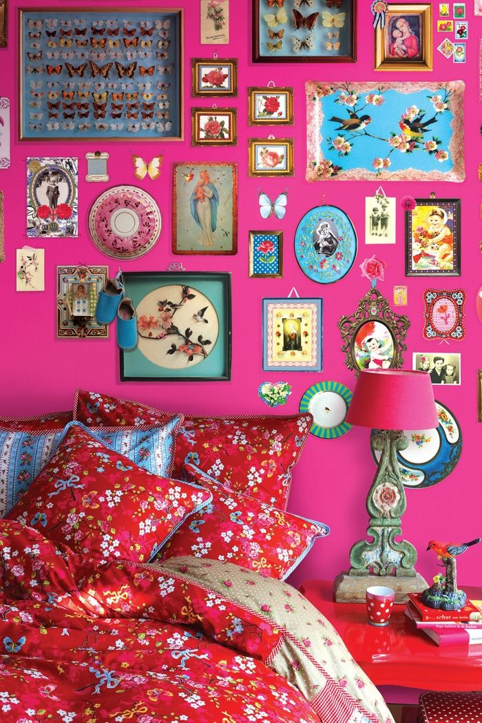 PiP...Again the amazingness of a pink wall.I rest my case. | Amazing ...