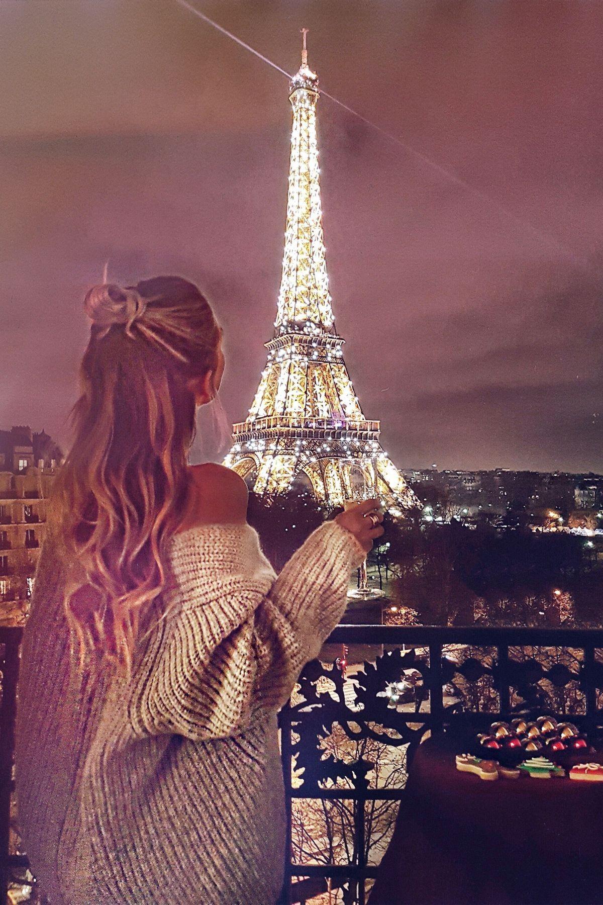 Jauh Perjalanan Luas Pengetahuan Menara Eiffel Fotografi Pemandangan