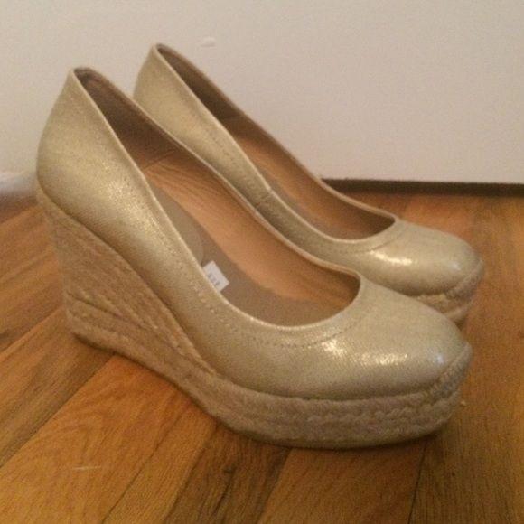 NWOT Bettye Muller Gold Espadrille Wedges Unworn Bettye Muller Espadrille wedges! Bettye Muller Shoes Espadrilles