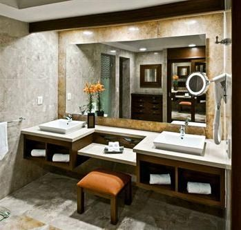 5 Wow Worthy Bathrooms: Holiday Getaway Edition