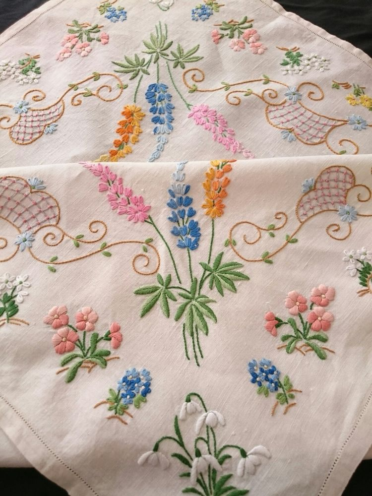 Embroidered Tablecloth - Flax Luxe Embroidered Tablecloth - Flax Luxe