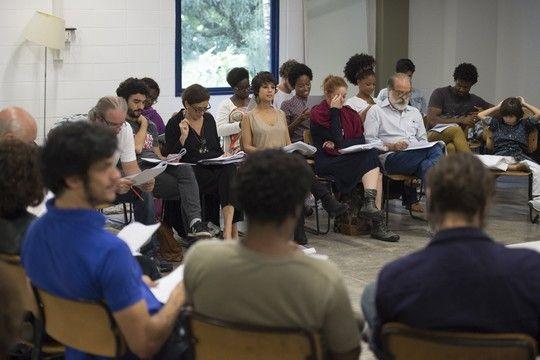 Caio Blat, Lília Cabral, Andreia Horta, Osmar Prado e outros integrantes do elenco participam do workshop  (Foto: TV Globo / João Cotta)