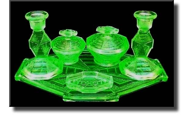 ART DECO VINTAGE BAGLEY GREEN URANIUM GLASS 7 PIECE FRUIT BOWLS SUNDAE DISHES