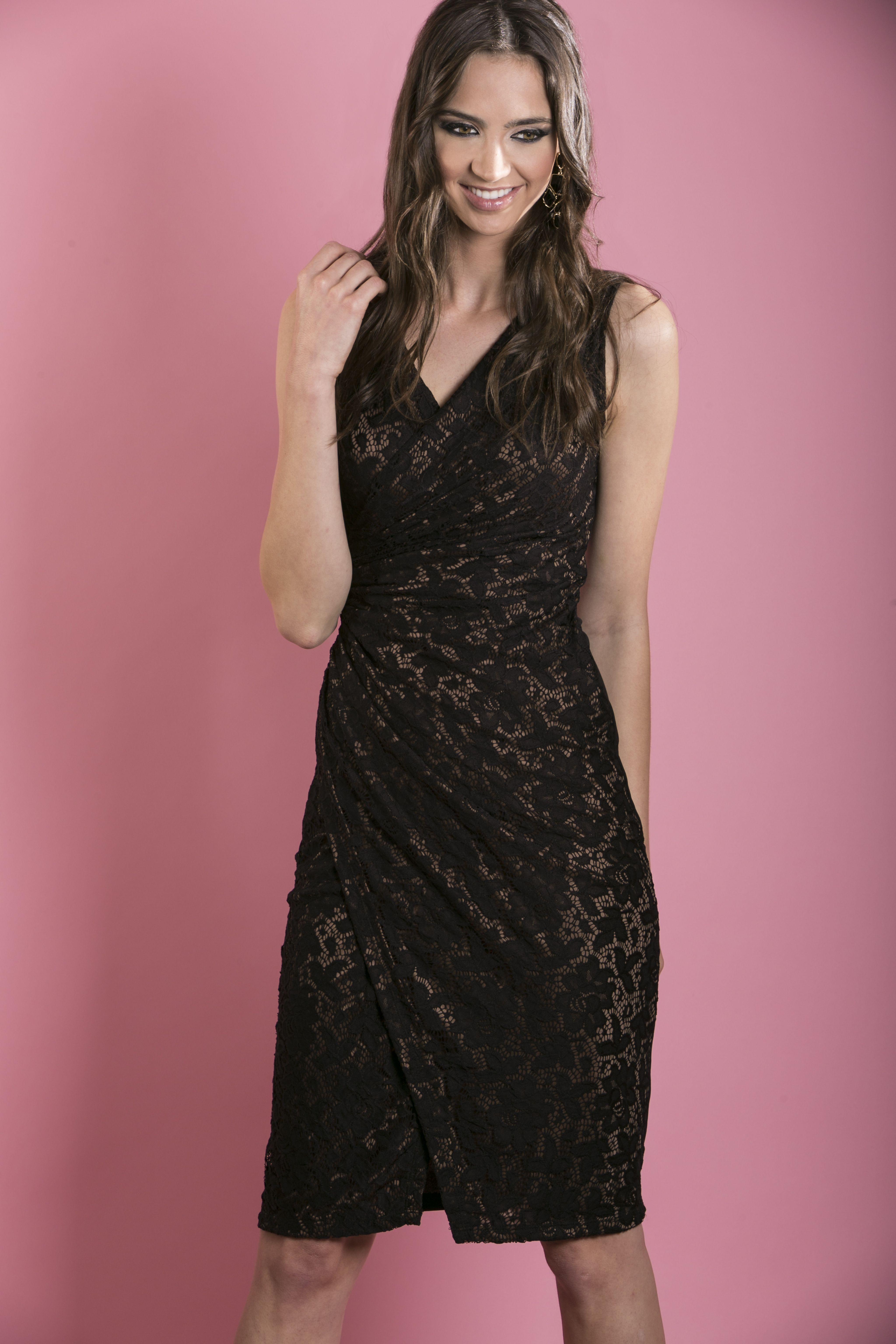 Vestido negro en encaje. | MODA | Pinterest | Encaje, Negro y Vestiditos