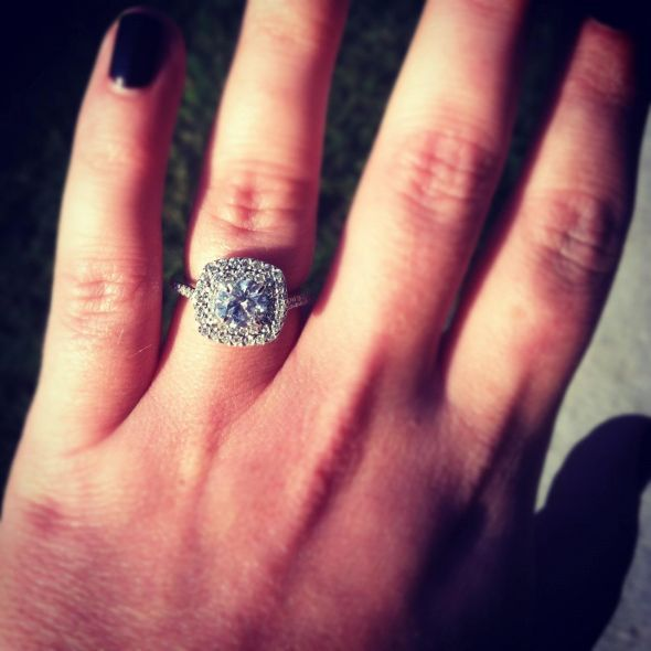 5 carat diamond engagement ring on hand pics 12 wedding. Black Bedroom Furniture Sets. Home Design Ideas