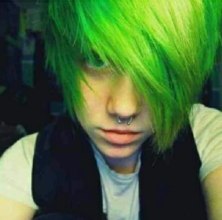 scene guy dyed hair ideas : green :side bangs: layered | Cool ...