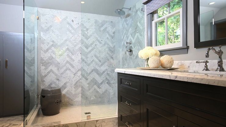 Pin By Paloma Contreras On Interior Inspiration Inexpensive Bathroom Remodel Bathroom Remodel Tile Jeff Lewis Design
