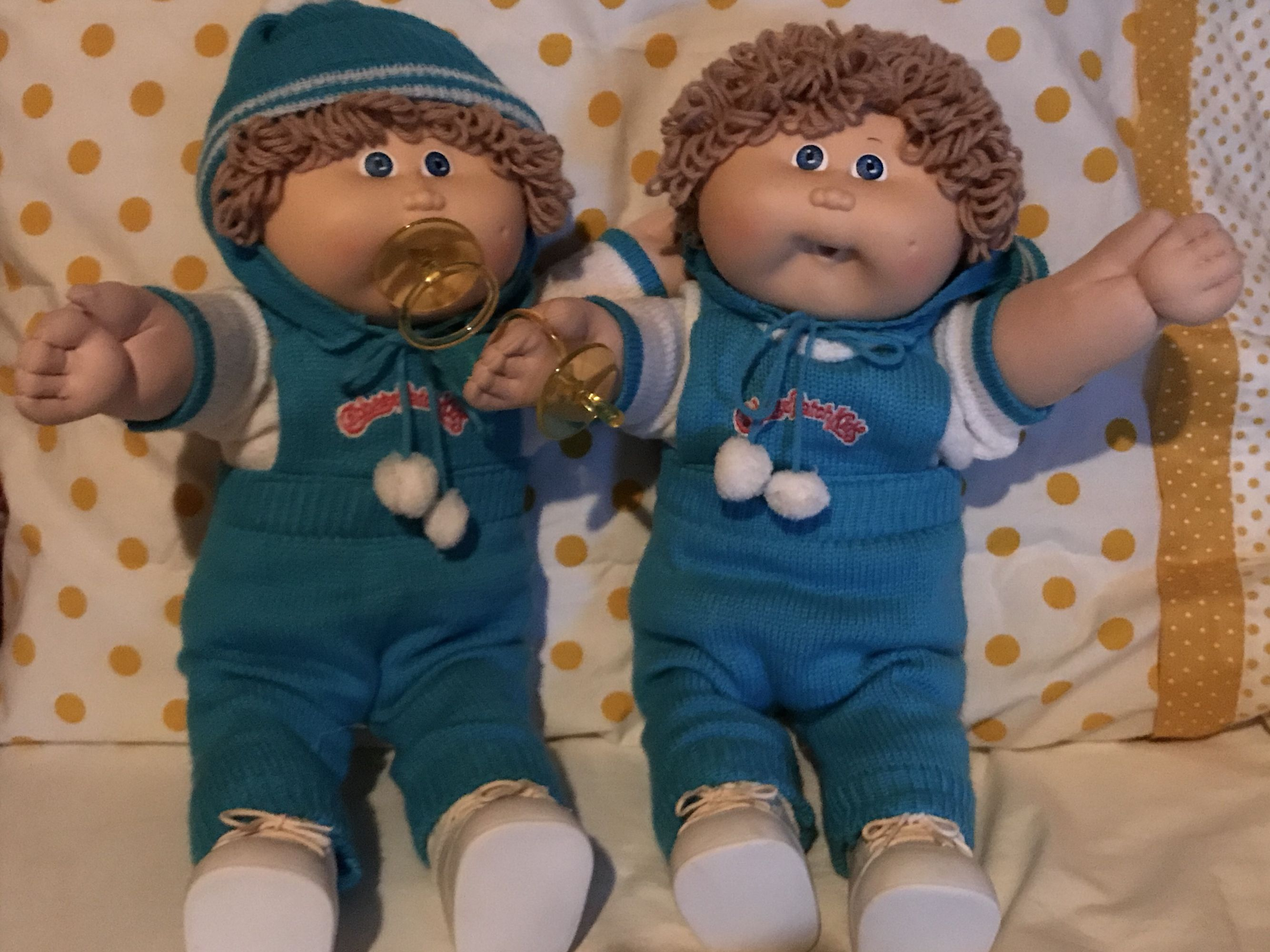 Vintage Cabbage Patch Kids Twin Dolls 1986 Hm 6 P Factory Wheat Hair Boys With Blue Eyes And Pacifiers Cabbage Patch Kids Twin Dolls Kids