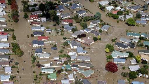 Datum pint :20/04/2017 10:00       Datum artikel : 6/4/17 Stijn Verbeeren    4MT Titel: Heel dorp in Nieuw-Zeeland ontruimd door overstroming na doortocht cycloon Debbie.  In het noorden van Nieuw-Zeeland is een heel dorp ontruimd nadat de regio is getroffen door zware overstromingen. Dat schrijft de BBC vandaag. De ...