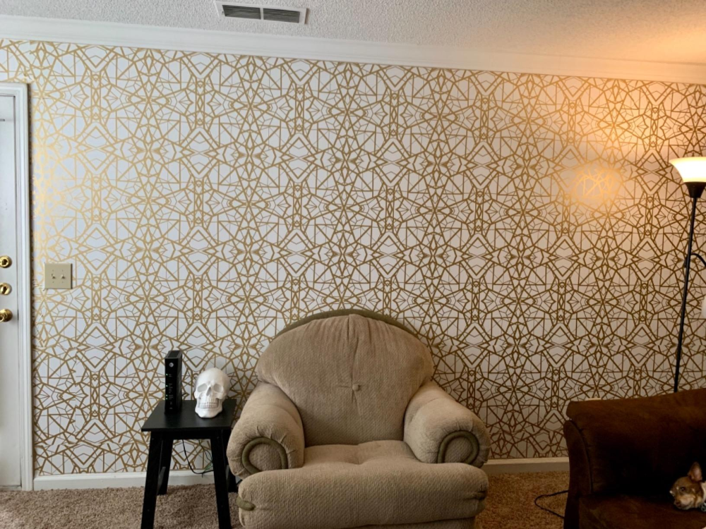 Roommates White And Gold Shatter Geometric Peel And Stick Wallpaper Amazon Com Peel And Stick Wallpaper Geometric Wallpaper Geometric