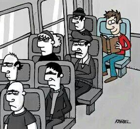 Quem usa ônibus ou metro para se locomoverem, tem o previlegio de usar o tempo para uma boa leitura.