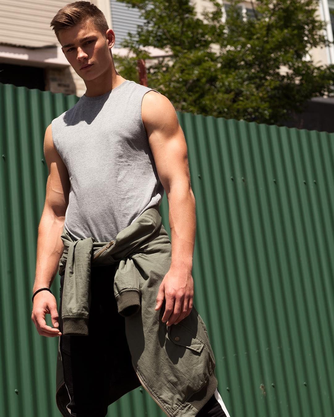Гей видео секс спортсмены боксеры атлеты гей армия