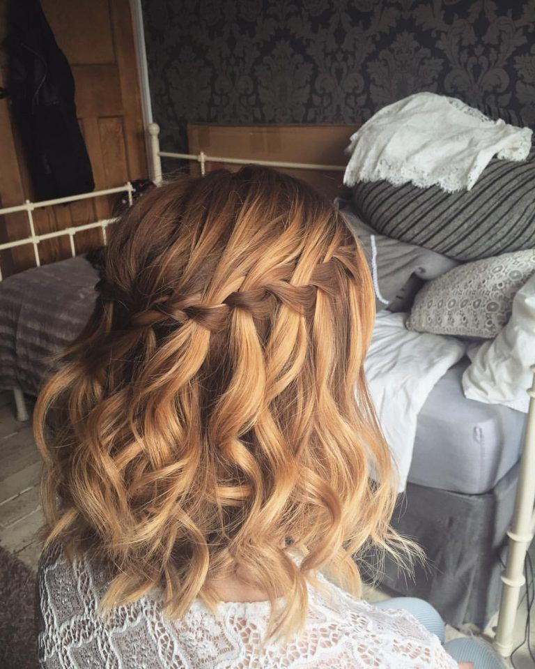 Pin By Courtyb On Hoco Hairstyles Short Wedding Hair Medium Hair Styles