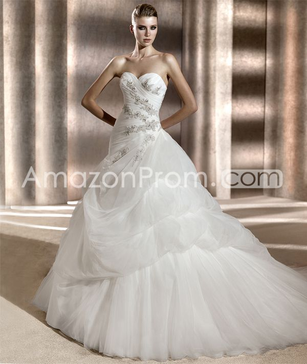 Terrific  A-line  Floor-Length  Sweetheart Tiered Wedding Dresses with Appliques