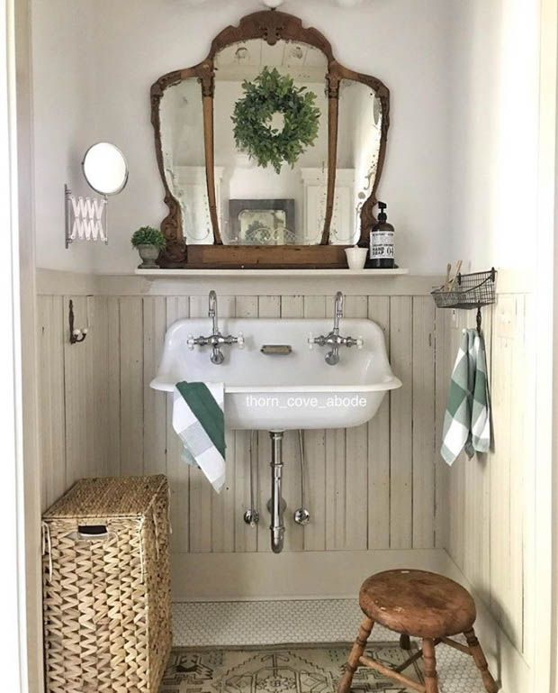 Photo of Charming Cottage Farmhouse Bathroom Elements