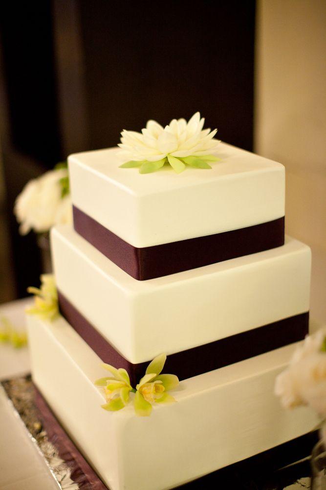 Fake wedding cake | wedding | Pinterest | Fake wedding cakes ...