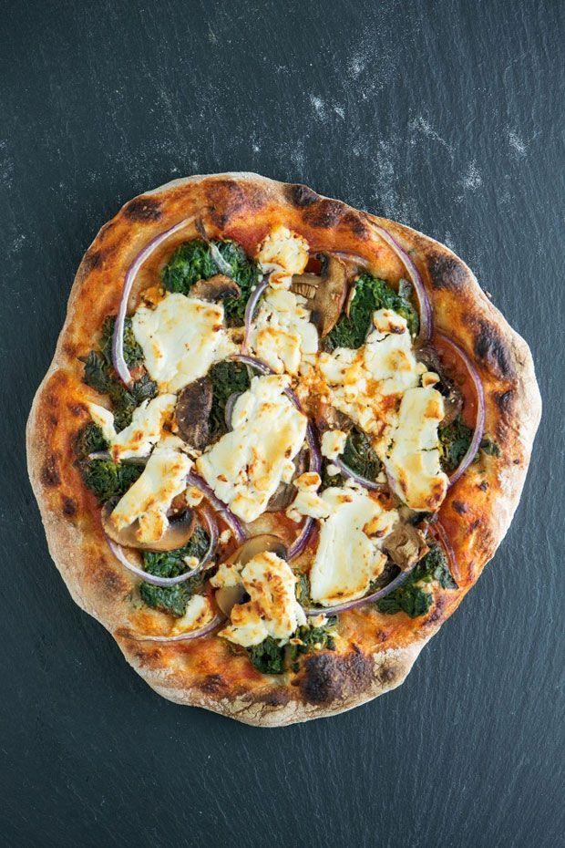 Pizza Sin Amasar Con Espinacas Hongos Y Queso De Cabra Cukmi