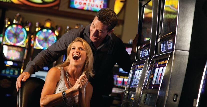 MustDo.com   Seminole Casino Hotel exciting gambling Immokalee, Florida.