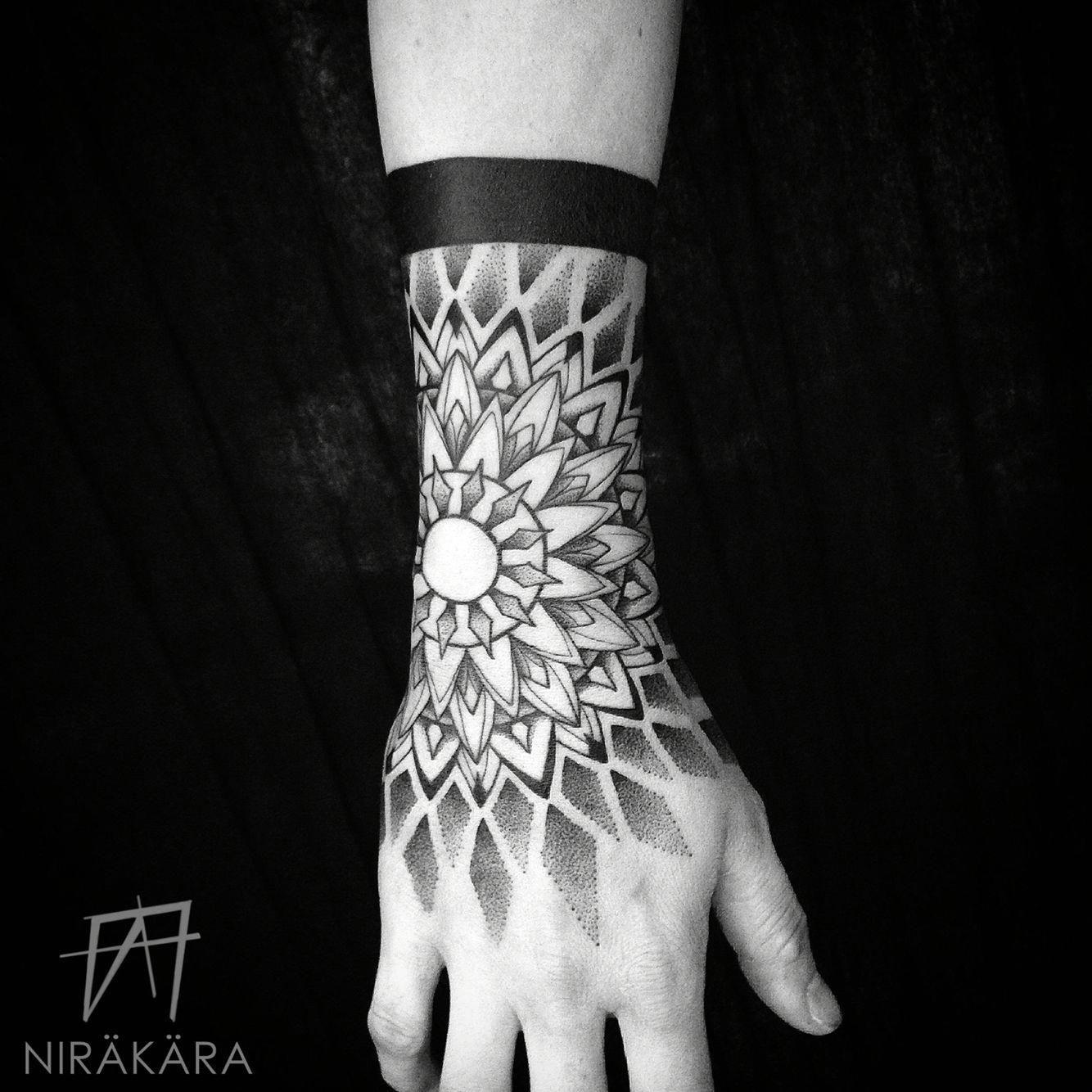 Blackwork Sacred Geometry Yoga Buddha Mandala Noir Meditation Dotwork Pointillism Stippl Mandala Tattoo Men Mandala Hand Tattoos Mandala Tattoo Design