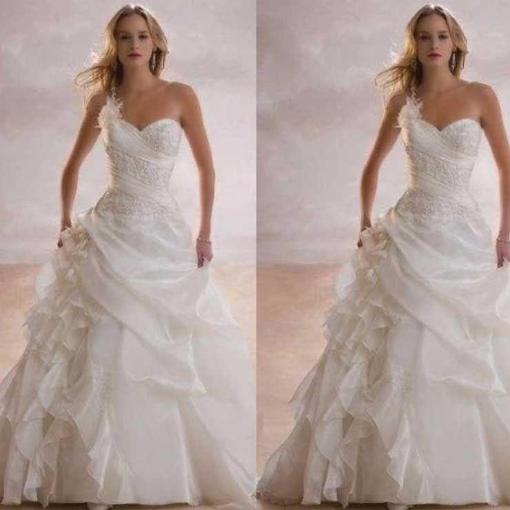 Vestido de Noiva de um Ombro Longo