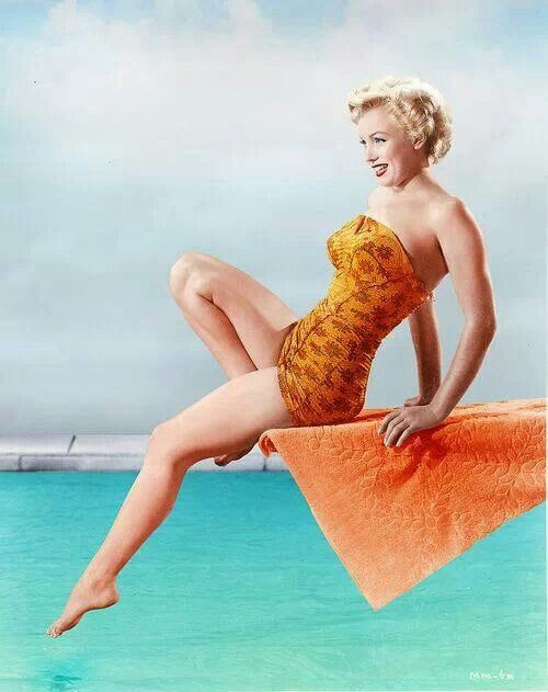 Thigh marilyn gap monroe