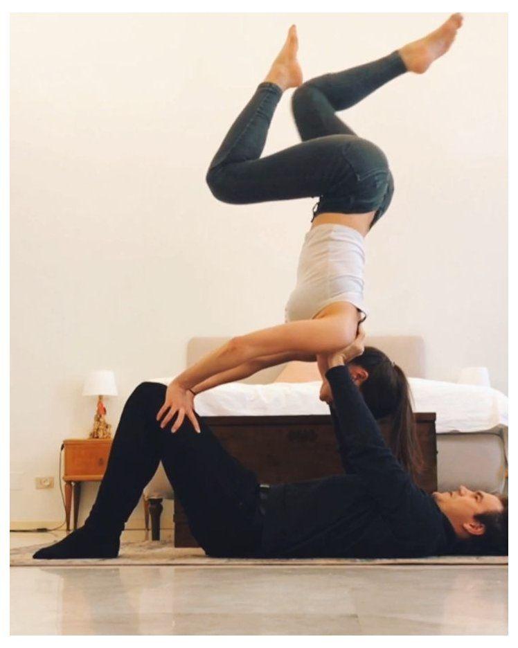 Acro Yoga Flow Acro Yoga Advanced Acroyogaadvanced Inversions Acro Yoga Fur Beginner Acro Yoga Poses Partner Yoga Poses Couples Yoga Poses