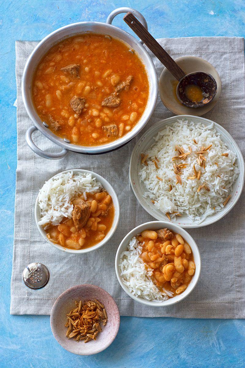 Middle eastern white bean stew (fasoolia baida)