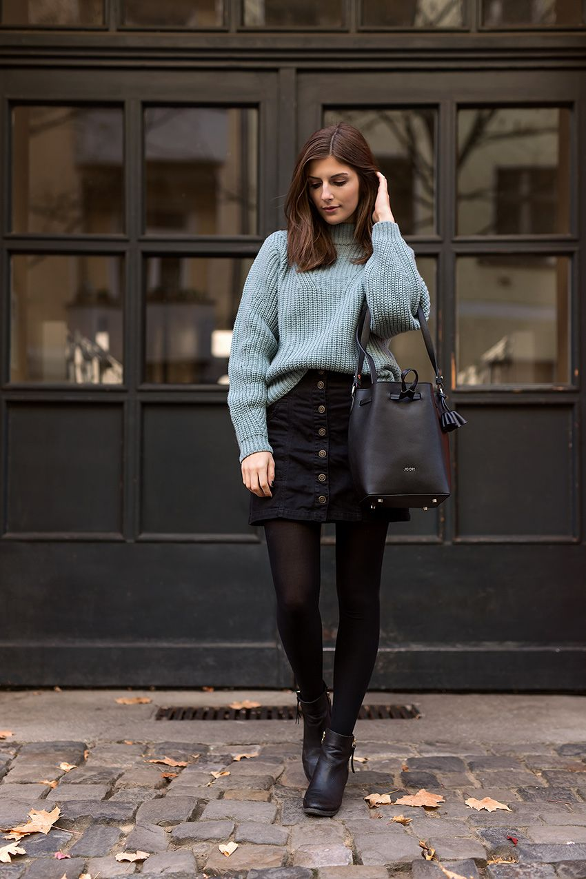 Turquoise Sweater and Black Skirt | Outfit, Strumpfhosen