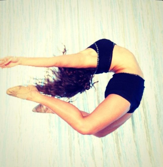 I really wish I was able to do this..... Curse my non-flexibleness