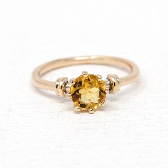 Beautiful Vintage 1950s Mid Century Era 10k Yellow Gold Genuine Citrine Ring This Pretty Solitaire Style Ring In 2020 Citrine Ring Genuine Citrine Yellow Citrine Ring