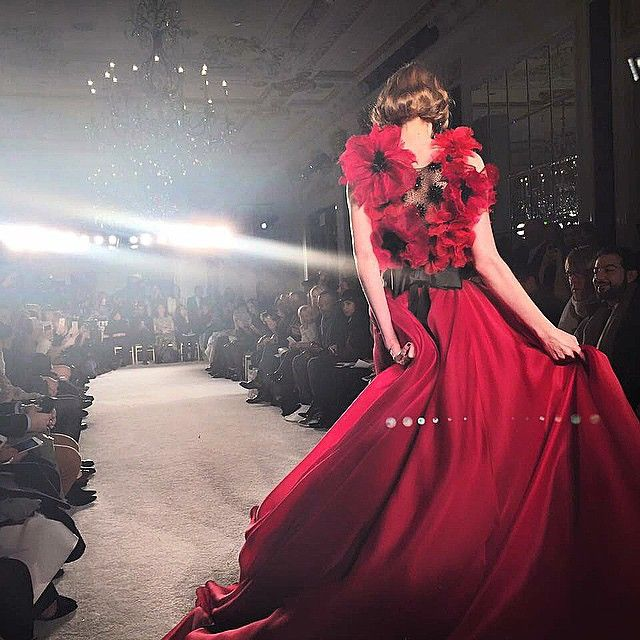 marchesa moment