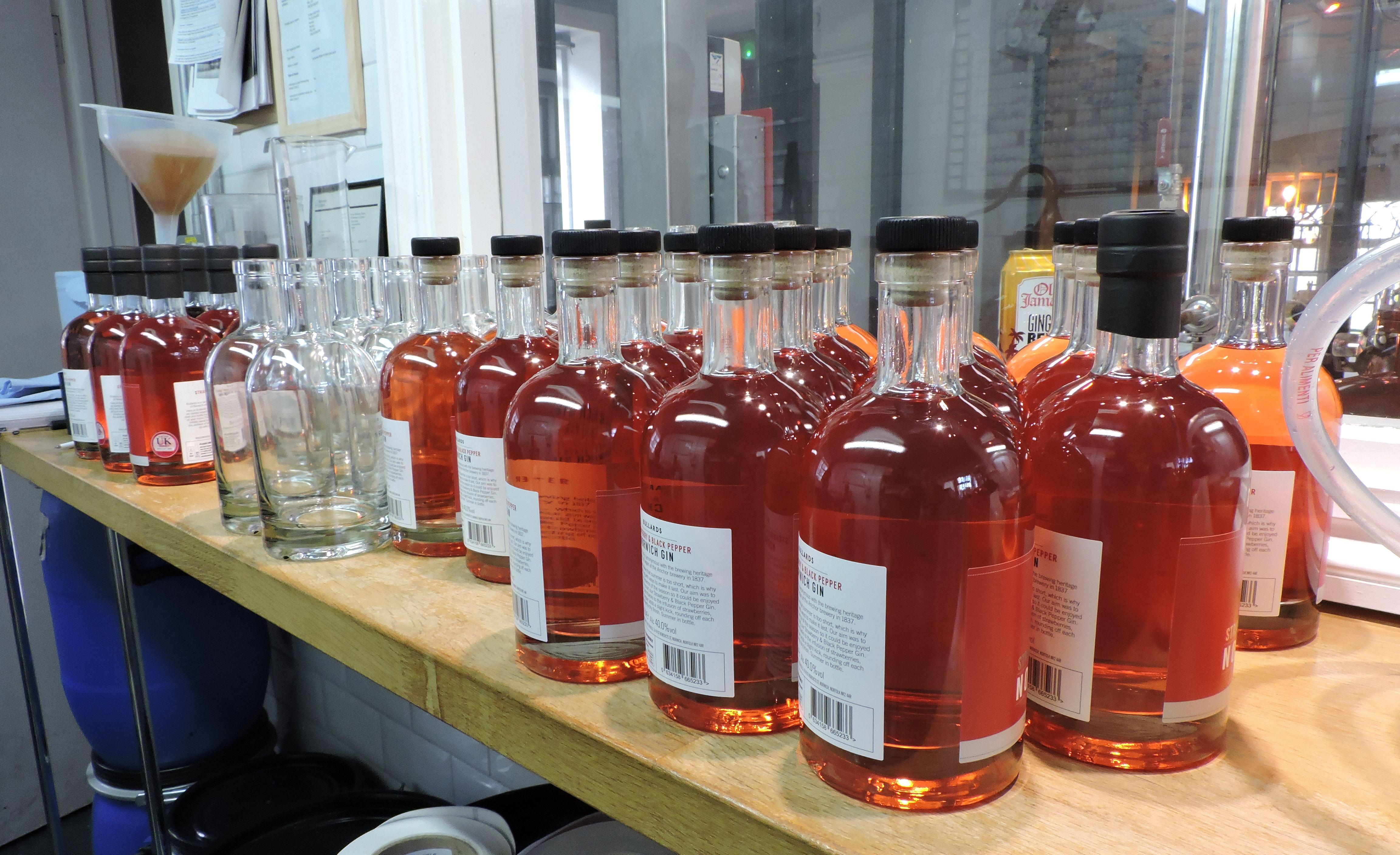 Bullards Strawberry Black Pepper Gin From Norwich Norfolk Artisan Gin Gin Brands Gin