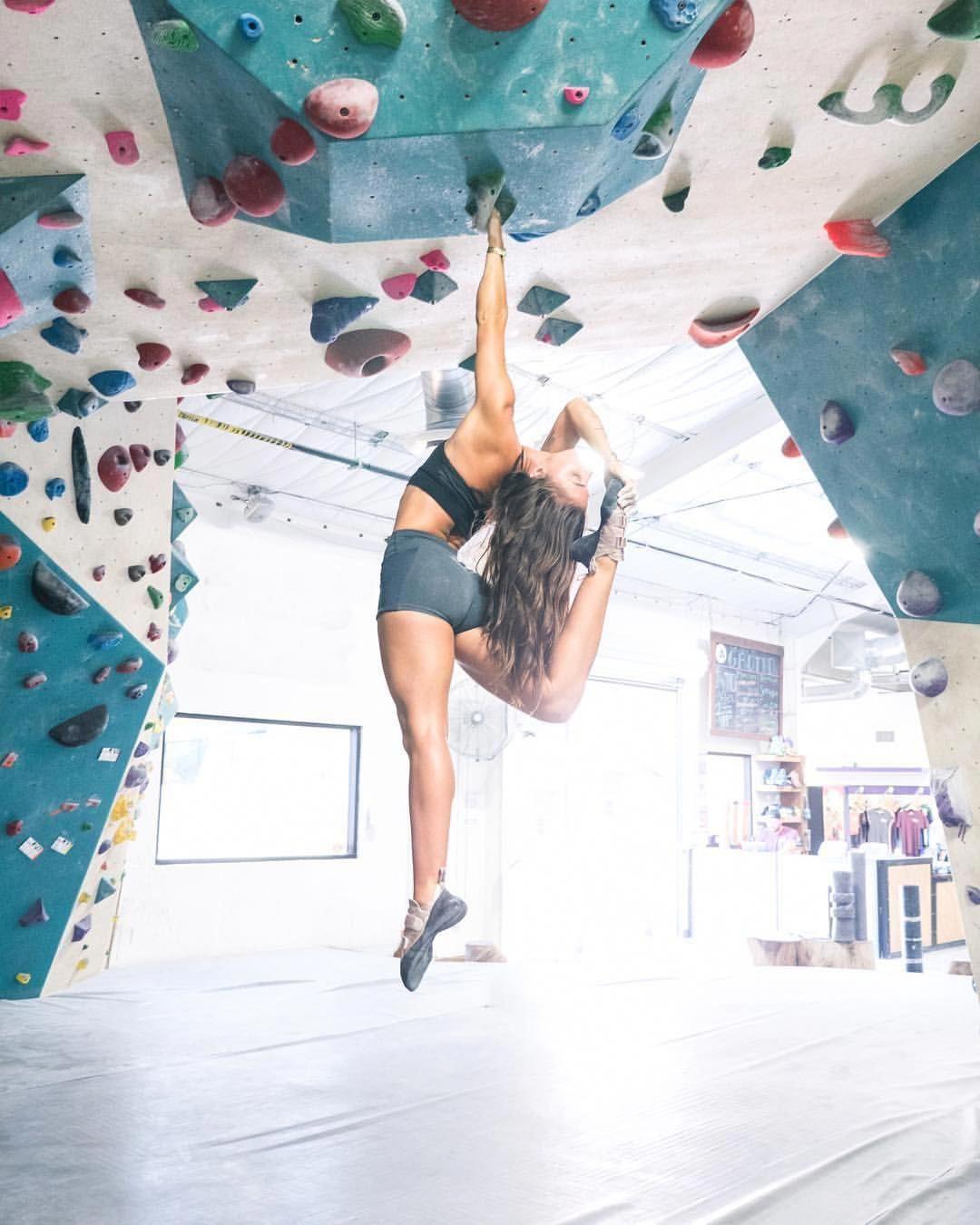 Rock climbing gym, Indoor rock climbing