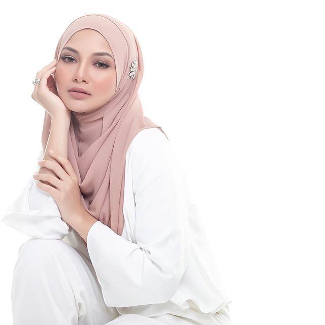 Neelofa Hijab Beautiful Hijab Street Hijab Fashion